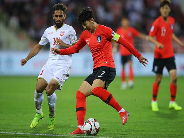 Hàn Quốc vỡ kế hoạch; Thầy cũ Ronaldo trổ tài