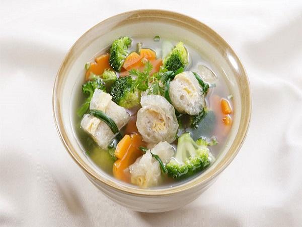 3 nhóm thực phẩm bổ dưỡng có thể biến thành độc tố nếu bảo quản theo cách này