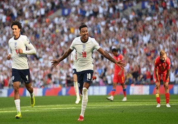 Bóng đá Anh 8/9: Man United bất ngờ với quyết định của Lingard